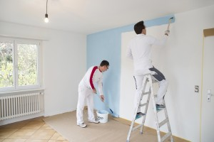 Wir Führen Malerarbeiten Kompetent Für Sie Aus, Egal Ob Eine Einzelne Wand,  Die Ganze Wohnung, Teile Der Fassade Oder Ganze Gebäudekomplexe.